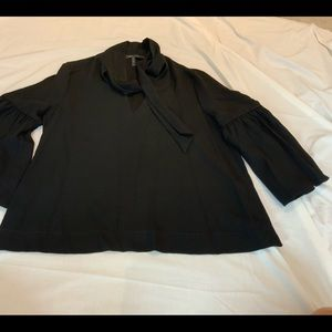 BCBG TIE NECK BLACK TIE NECK BLOUSE POETIUC ARM M